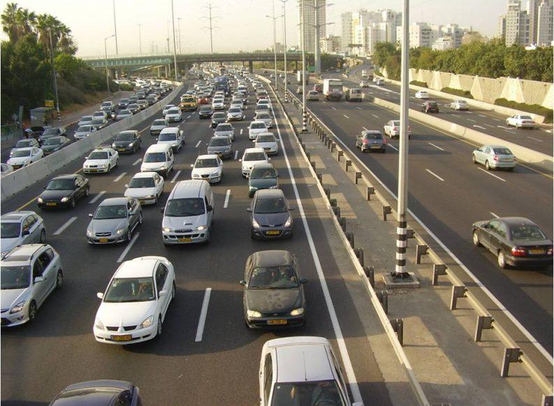 הצפיפות בכבישים ממשיכה לגדול