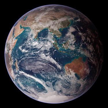 כמה אנשים חיים בכדור הארץ?