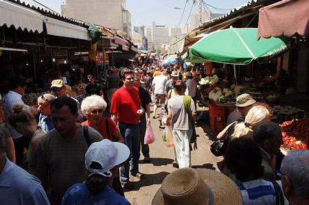 """ערה""""ש תשע""""ח חיים בישראל כ-8.743 מיליון תושבים"""