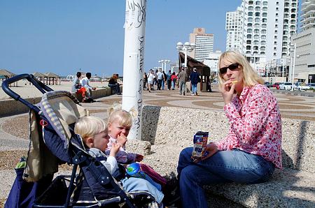 מספר הילדים המְמוּצע שאישָה יולדת בישראל הוא הגבוה ביותר במערב